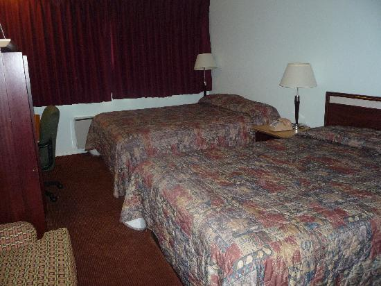 SeaTac Crest Motor Inn: Rooms