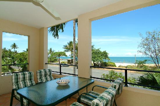 Mediterranean Beachfront Apartments Cairns: GUARANTEED OCEAN VIEWS!