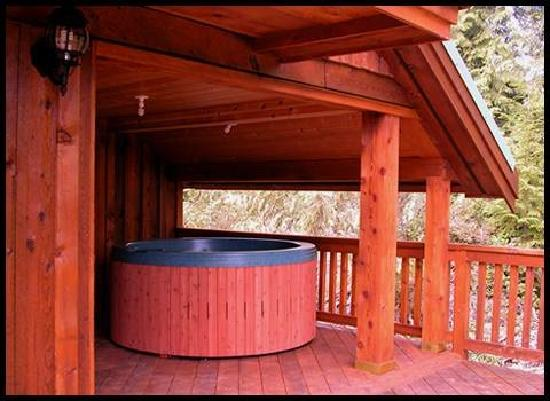 Florencia Bay Hideaway: Private Hot Tub