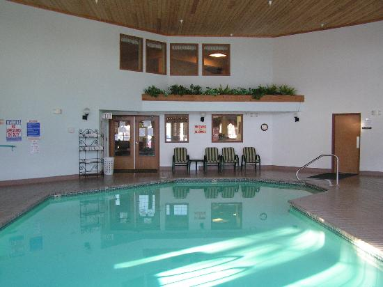 Woodland Park Country Lodge: pool