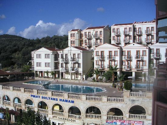Hotel Pirat: The main building of two.