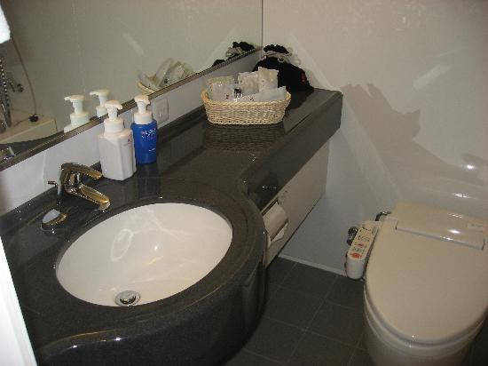 Hotel Sunroute Plaza Shinjuku: baño