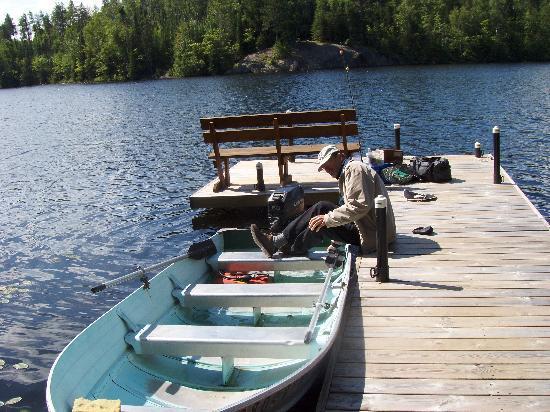 Fenske Lake Resort Cabins: Our boat dock, lake
