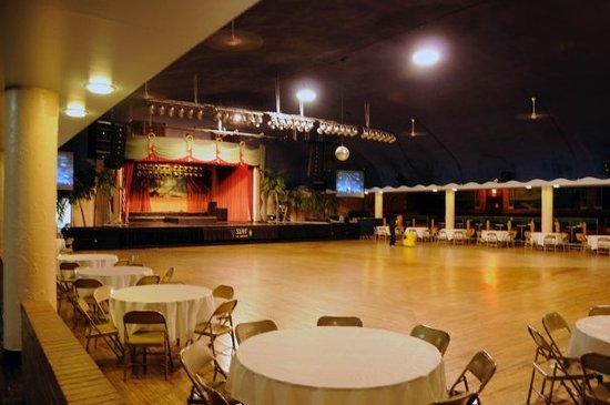 The 10 Closest Hotels To Surf Ballroom Clear Lake Tripadvisor Find Near