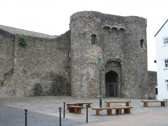 ‪Carmarthen Castle‬