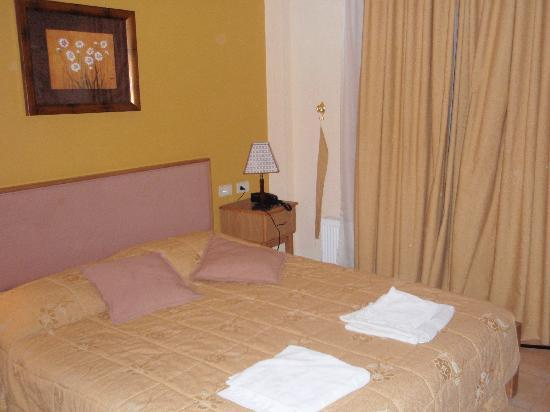 Mariam Hotel: The bed