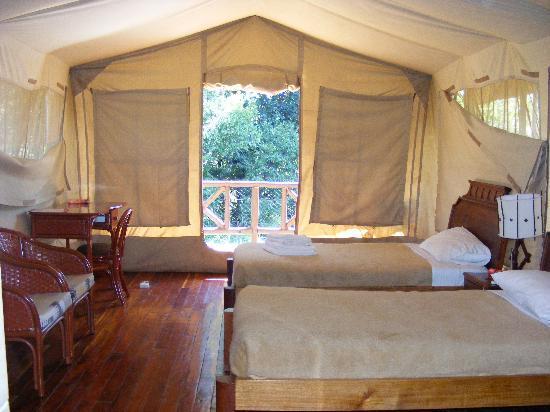 Mara Leisure Camp Nyati Tent Twin Bed
