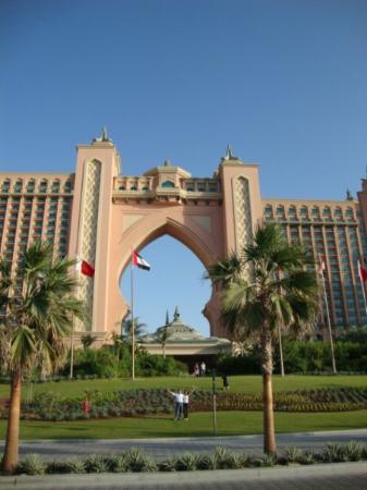 Abu Dabi, Emirados Árabes: En la Palmera de Dubai.