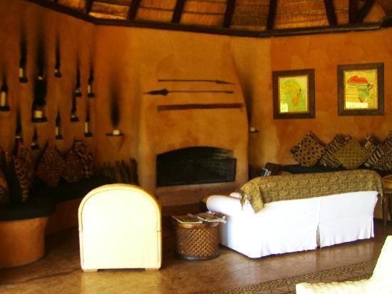 Makalali Private Game Reserve, África do Sul: Comfortable lounge area
