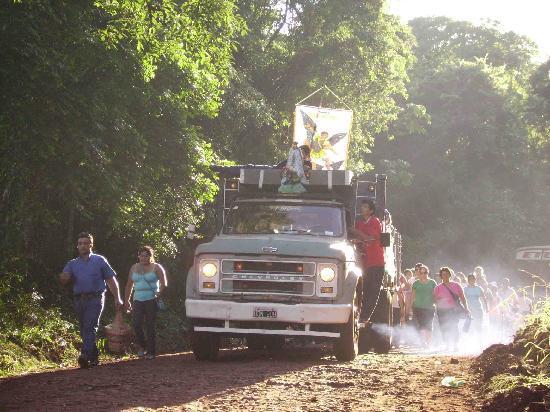 Eldorado, อาร์เจนตินา: llegada fieles a San Miguel