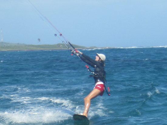 St. Kitts Kiteboarding School: SD kiting in Half Moon Bay
