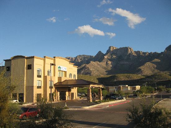 Holiday Inn Express Oro Valley - Tucson North : Front view