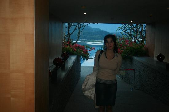 The Lalu Sun Moon Lake: january 2009 .So beautiful........it's one of the most beautiful place in the world!Realy!