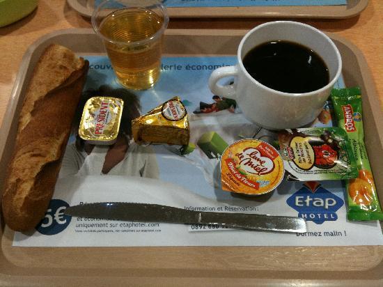 Montévrain, France : colazione