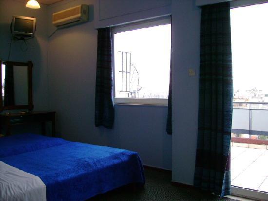 Filoxenia Hotel: バルコニーは部屋によって広さが違うようです。