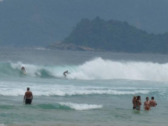Lopes Mendes Beach: sras sres... las olas de lopez mendez!!!