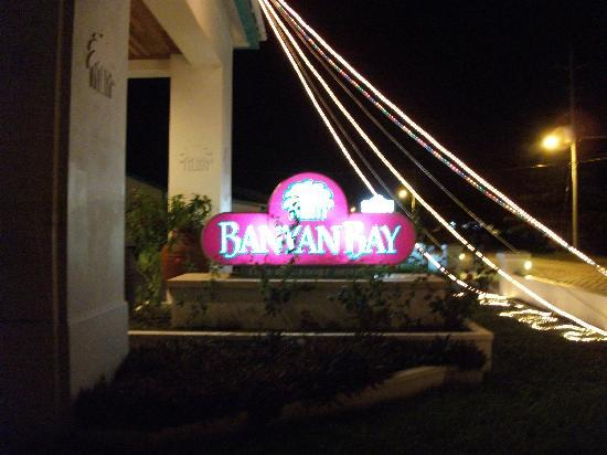 Banyan Bay Suites: at night