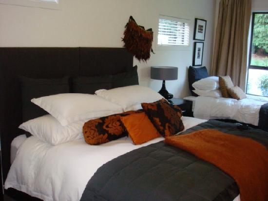 Waiorau Homestead: bedroom