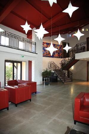 Le Rabelais Hôtel -Restaurant -SPA : Le hall