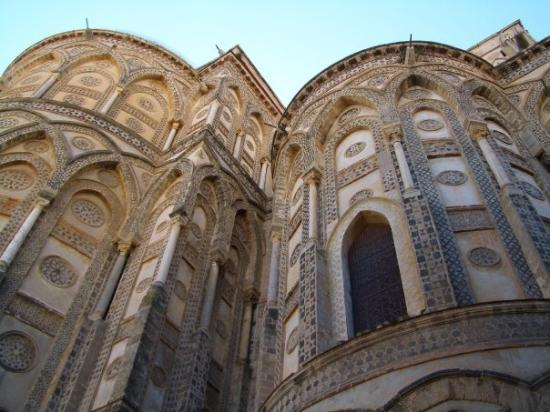 Duomo di Monreale: MONREALE CATHEDRAL  The outsides of the principal doorways and their pointed arches are magnific