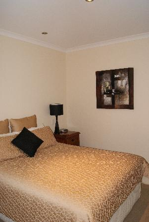 Vintages Accommodation: The Main bedroom