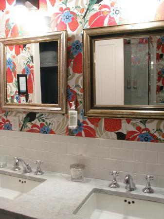 East Hampton, NY: bathroom