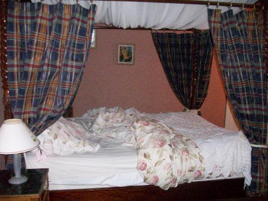 La Rucheliere : Notre lit au reveil!