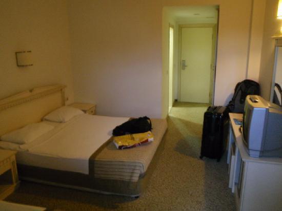 Desire Beach Hotel: Hotel Room