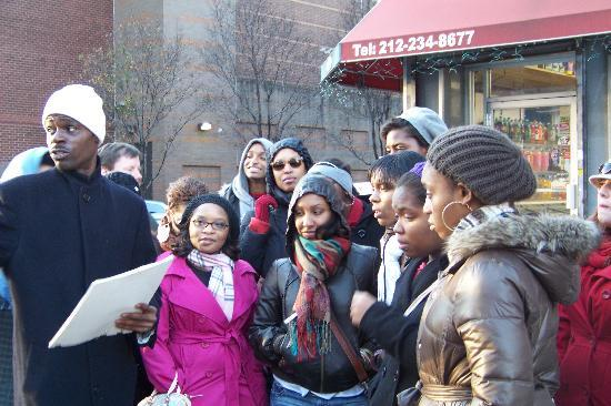 Harlem Heritage Tours: Tour guide and students