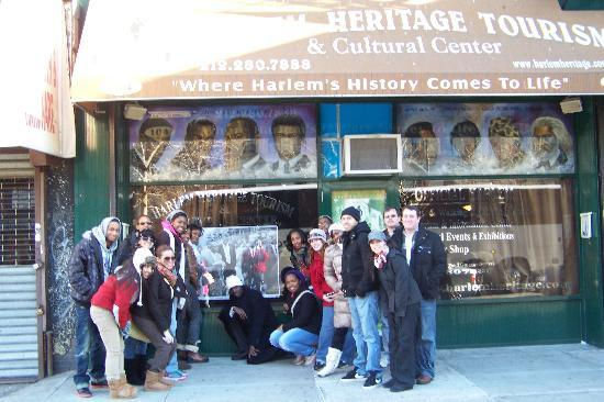 Harlem Heritage Tours: Tour guide and group in front of Harlem Heritage Tour office
