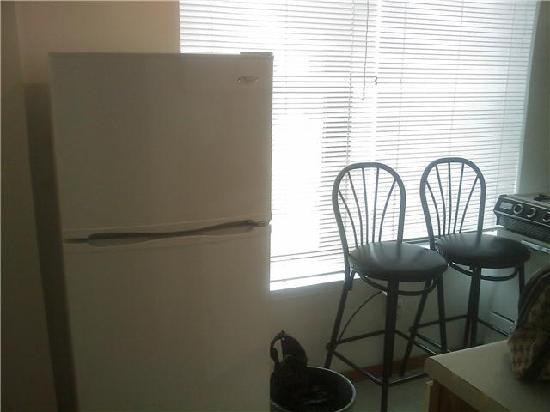 Off Soho Suites: Kitchen View 2
