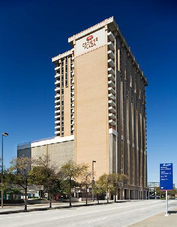 Crowne Plaza Hotel Dallas Downtown : Exterior