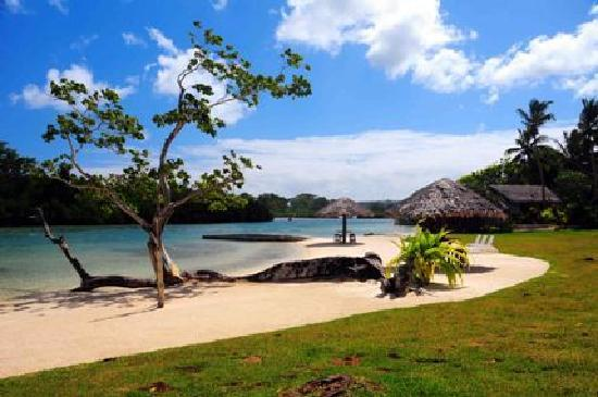 Cocomo Resort: Lagoon Beach Resort Beach View