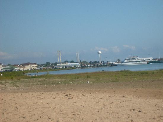 Mackinaw Beach and Bay - Inn & Suites: View from their beach