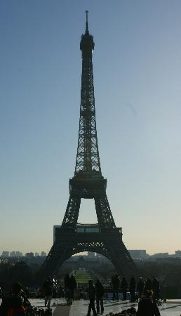 BEST WESTERN De Neuville : The Eiffel Tower