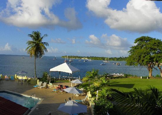 Crown Point Beach Hotel照片