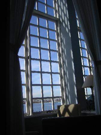 The Portofino Hotel & Marina, A Noble House Hotel: view from the lobby bar