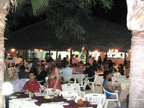 Khana Khazana: outdoor dinning area