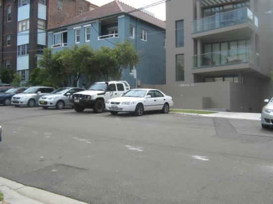 Coogee, أستراليا: My Street. My car. 21 12 09