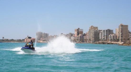 Sur, Λίβανος: رياضات مائية