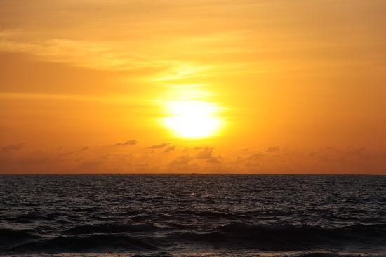 Oazia Spa Villas: sunset