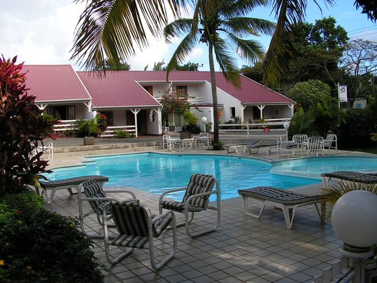 Villas Mont Choisy: View of pool