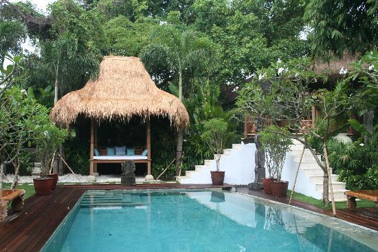 Oazia Spa Villas: our white villa in the sun