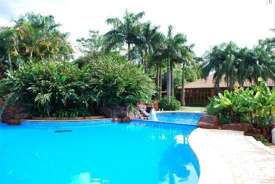 Iguazu Grand Resort, Spa & Casino: Swimming Pools