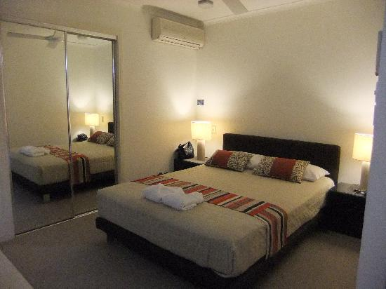 Offshore Noosa Resort: Bedroom