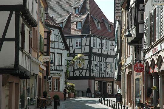 Edenkoben, ألمانيا: Wissembourg, France