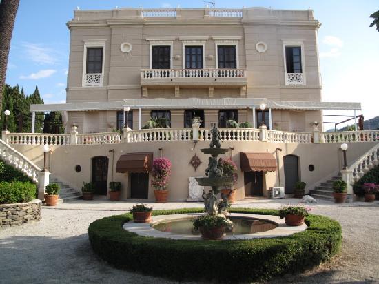Casa de los Bates: from the garden