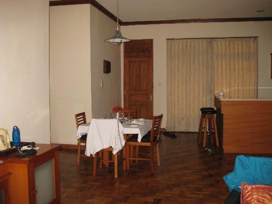 Langon Bali Resort & Spa: living hall of junior suite