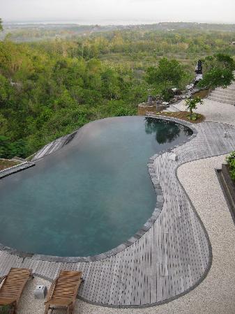 Langon Bali Resort & Spa: view of pool from room