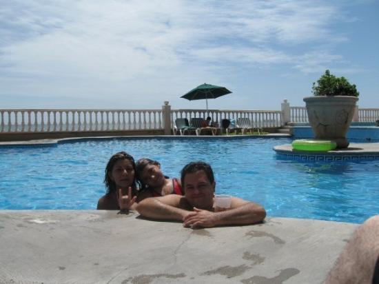 Villa Florida Hotel & Suites: La Family :)